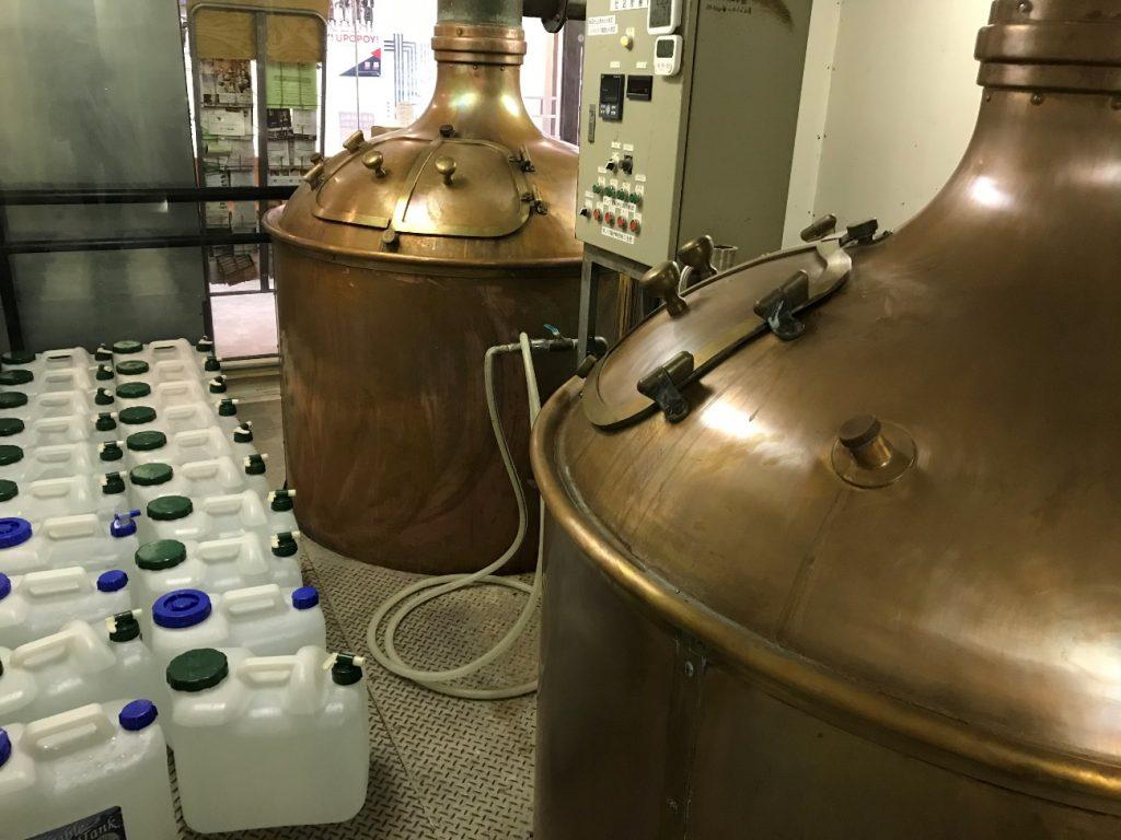 ビールの仕込みを行うタンクです。